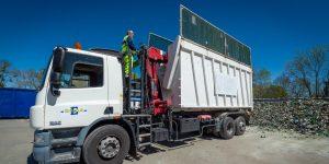 Vidage d'un camion-grue © Christophe GAGNEUX - PIXIM Communication